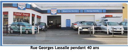 Le garage garoby emm nage en p riph rie dans la zone for Garage de la zone